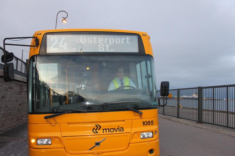 Bus 24 føres af en stolt, kurdisk Arriva-chauffør, Mehmet.