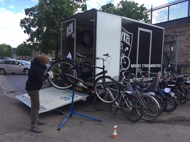 Mobil cykelservice på Alleen