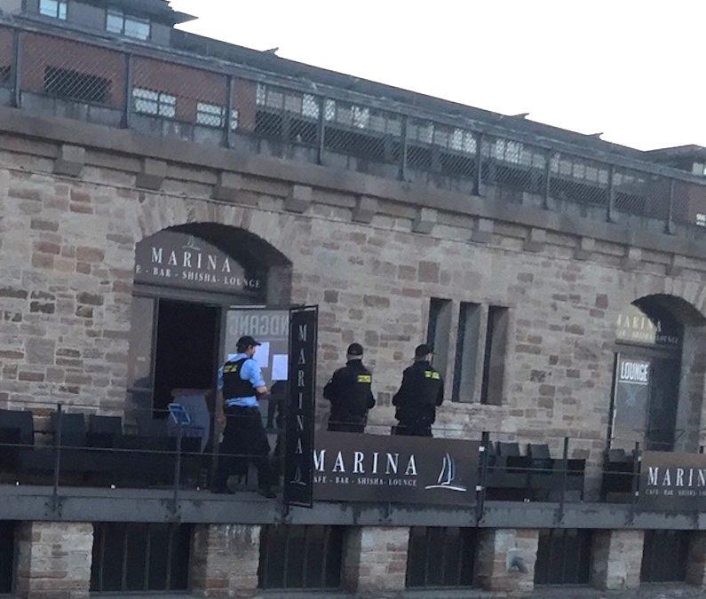 Politirazzia mod lukket bar på Langelinie